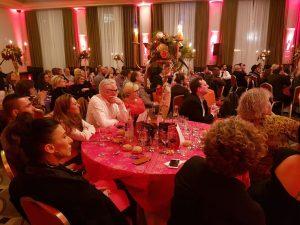La table de Henry Meunier et ses proches à la soirée gala.